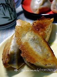 终有一天我会捏出有型有款的包子摺---小白菜烫面包子 - 可可西里 - 可可西里