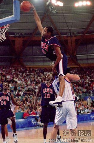 NBA史上最伟大的十次扣篮 图文图片