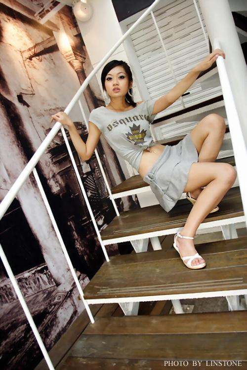 纤腰细腿的美女 [组图] - 心灵之约 - .