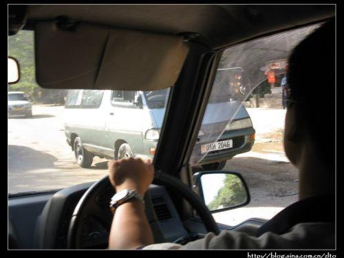 号牌.各国大使馆的车都是绿色牌照.   第五种:蓝色号牌.联合国高清图片