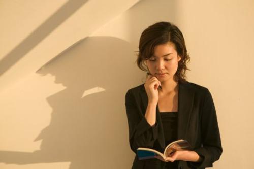 读书是最好的美容(一) - 随风而去 - 风中百合