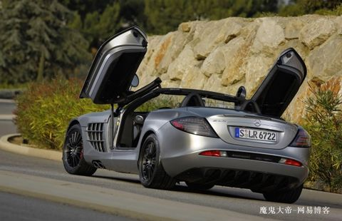 m-benz奔驰slr 722s roadster的最高车速为335km/h(电子限速高清图片