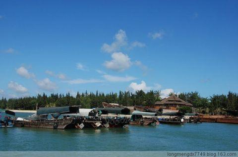 &nsp特呈岛位于湛江市霞山区东南面的湛江港湾内距离市区2.