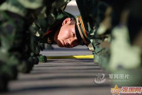 军人图片----真正的军人是怎样练成的 - 披着军装的野狼 - 披着军装的野狼