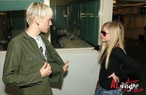 Avril對Evan的...(感人) - Ashley - Maybe Im crazy