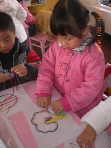 《毛线粘贴画作品图片》/幼儿园刮画作品图片/优秀刮