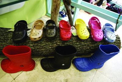 丑鞋子是如何征服世界的 - 外滩画报 - 外滩画报 的博客