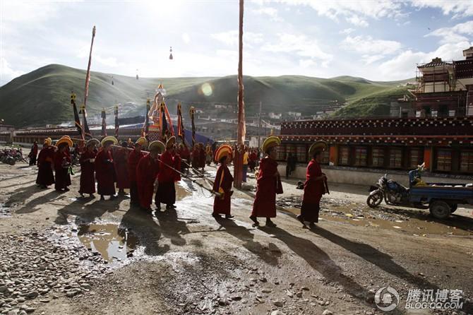 藏传佛教色须寺火供拍摄记 - 刚峰先生 - 天涯横呤