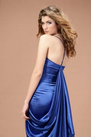 蓝色晚礼服贵族气质