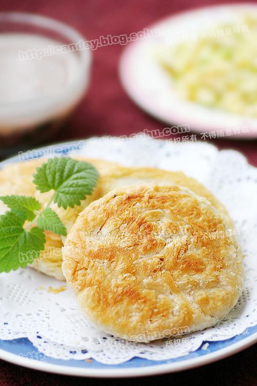 一步一步做面食: 酥香掉渣儿的芝麻盐酥饼   - 小芊芊 - 小芊芊