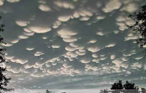 weird cloud formations==古怪的云彩 - hower.1989 - REAL ME