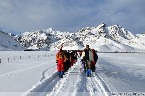 驴友一家 随小鱼班班 新疆男人 短袖狼谷穿越 - 阿凡提 - 阿凡提的新疆生活