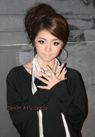 Shot MV (first day花絮) - 胡芳芳 - 大蕃茄胡小宝s Blog