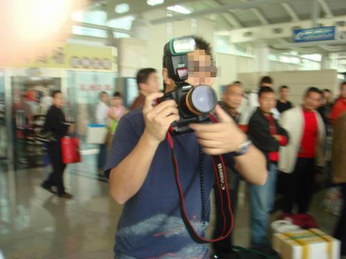 独家揭密:范冰冰机场炒作事件(组图) - 回到过去 - 龙哥的博客
