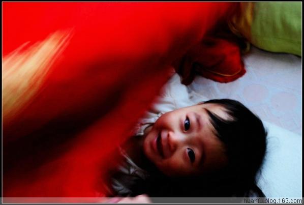 家有千金471天:被窝里 - AF摄影(蹈海踏浪) - 青岛AF摄影工作室