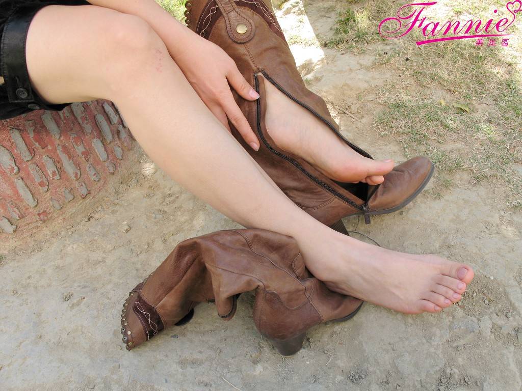 == 沁香 == 40P - 喜欢光脚丫的夏天 - 喜欢光脚丫的夏天