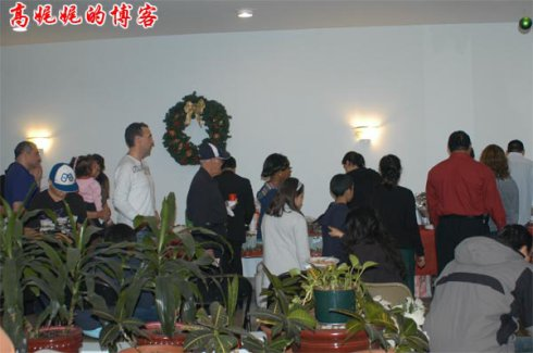 纽约的居委会怎样开圣诞Party?