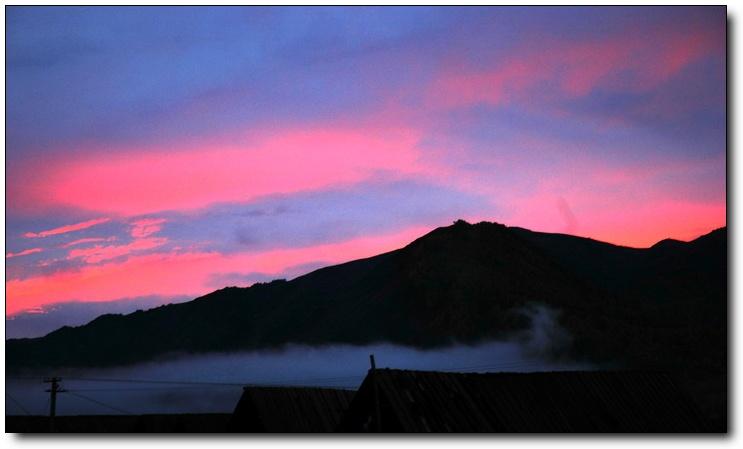 ( 原创)新疆行之 绝色禾木 —雨后黄昏清晨雾  - 鱼笑九天 - 鱼笑九天