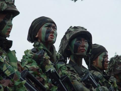 狼牙特种大队的女人们 - 红色卫士 - 红色卫士的魅力军魂