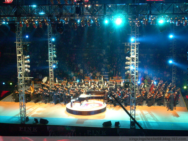 朗朗黄河协奏曲-把耳朵叫醒 郎朗长春钢琴独奏音乐会 原照图片