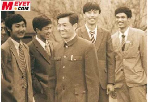 胡总书记的一组极为罕见的照片 - 建国春光 - 智者家园