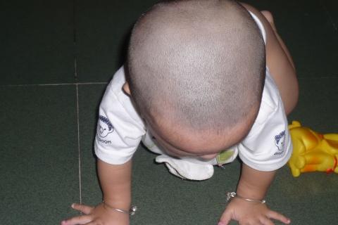 自己动手为宝宝剃胎头 - 晨晨、叮当 - 杨晨昱博客