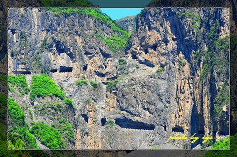 [原创]人间奇迹(02)山西陵川挂壁公路《七绝》 - 自由诗 - 图说天下