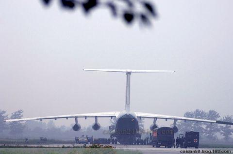 【原创】南苑机场拍摄救援车队亲历记 - caidan58 - 摄影师陆岩的博客