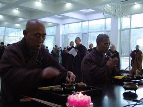 (转载)大悲寺2008年世尊成道日剃度受戒报道(组图) - 新佛教徒 - 正信之路