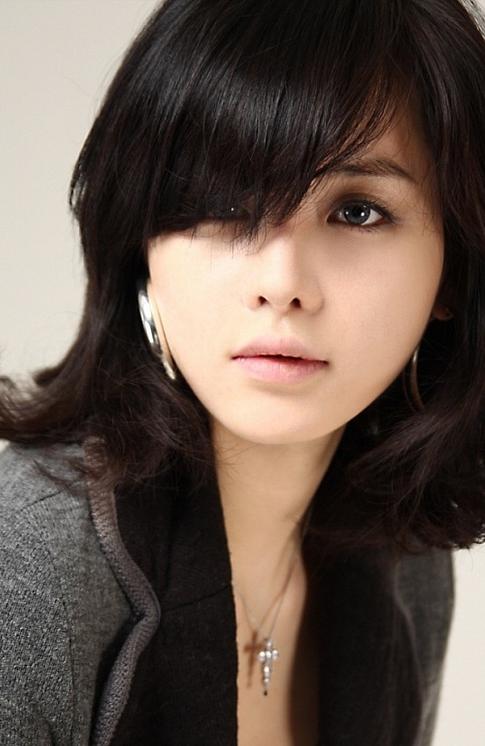 韩国第一赛车美女林智慧OL风格