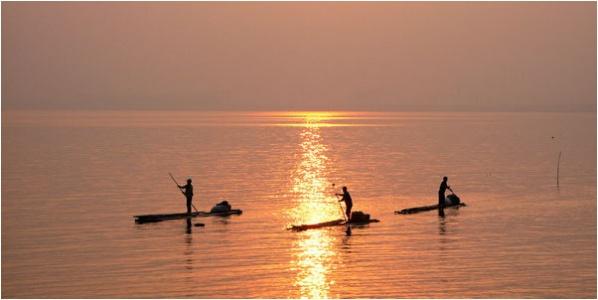 [原]深圳·后海湾里的渔船和天上的地图 - Tarzan - 走过大地