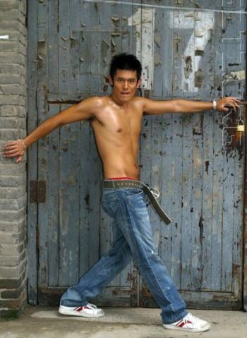 赤裸裸的男模秀 - 大唐皇朝 - 大唐皇朝┽→ 帅男 时尚娱乐