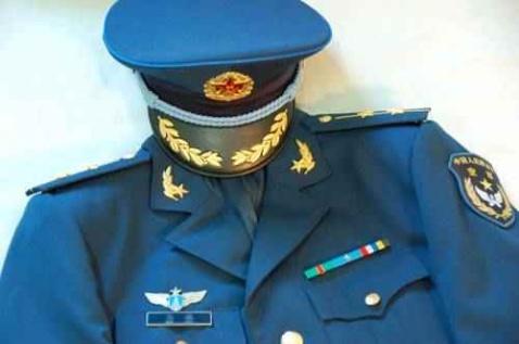 引用 07空军军官礼服图片