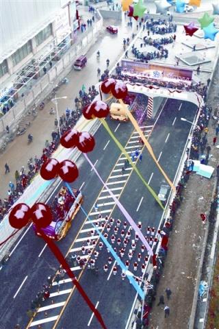 [原创] 纪念20081228 看长江后浪推前浪  - 路人@行者
