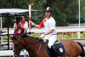 奥运火炬正在传递 - 君子兰花 - 君子兰花的博客