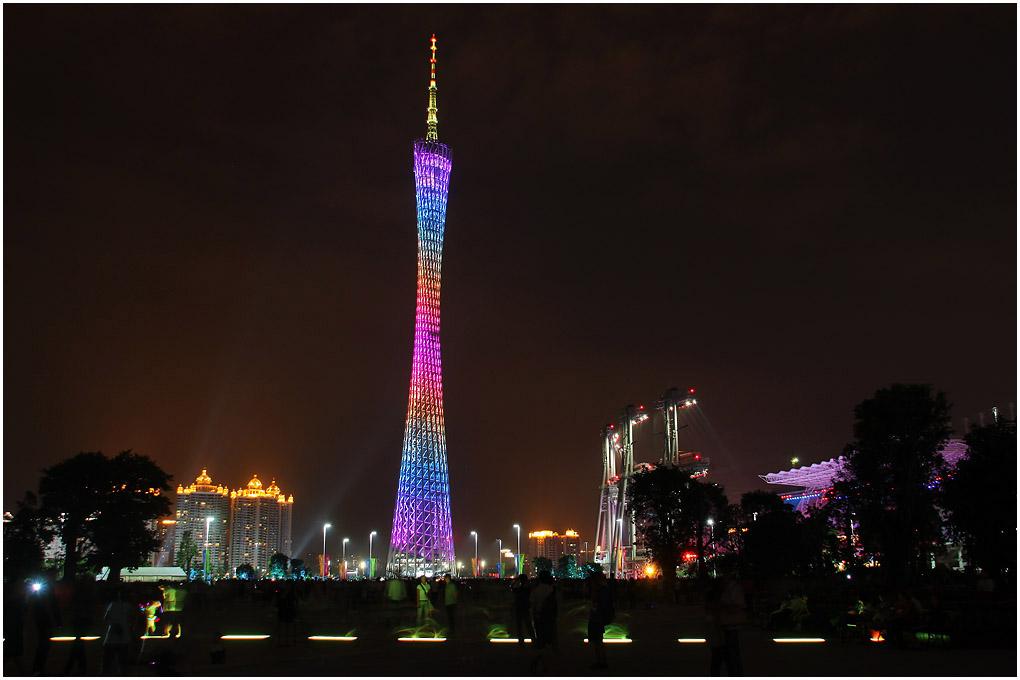 广州·五光十色的广州塔 - 沧海 - 沧海的博客