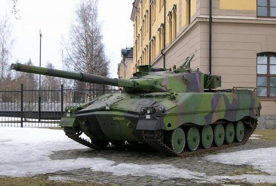 图文:IKV-91坦克车体与炮塔采用全焊接结构