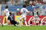 图文-[世界杯]阿根廷VS塞黑坎比亚索破门瞬间