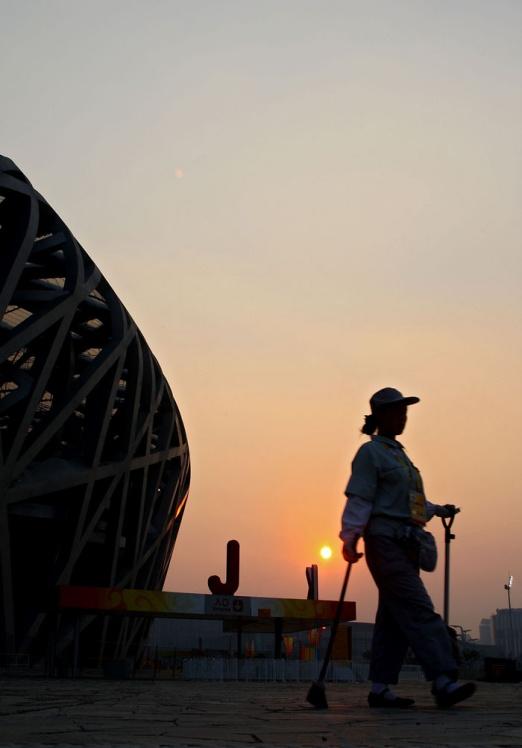 别忘了,奥运背后的人(组图) - 唐萧 - 唐萧博客欢迎你