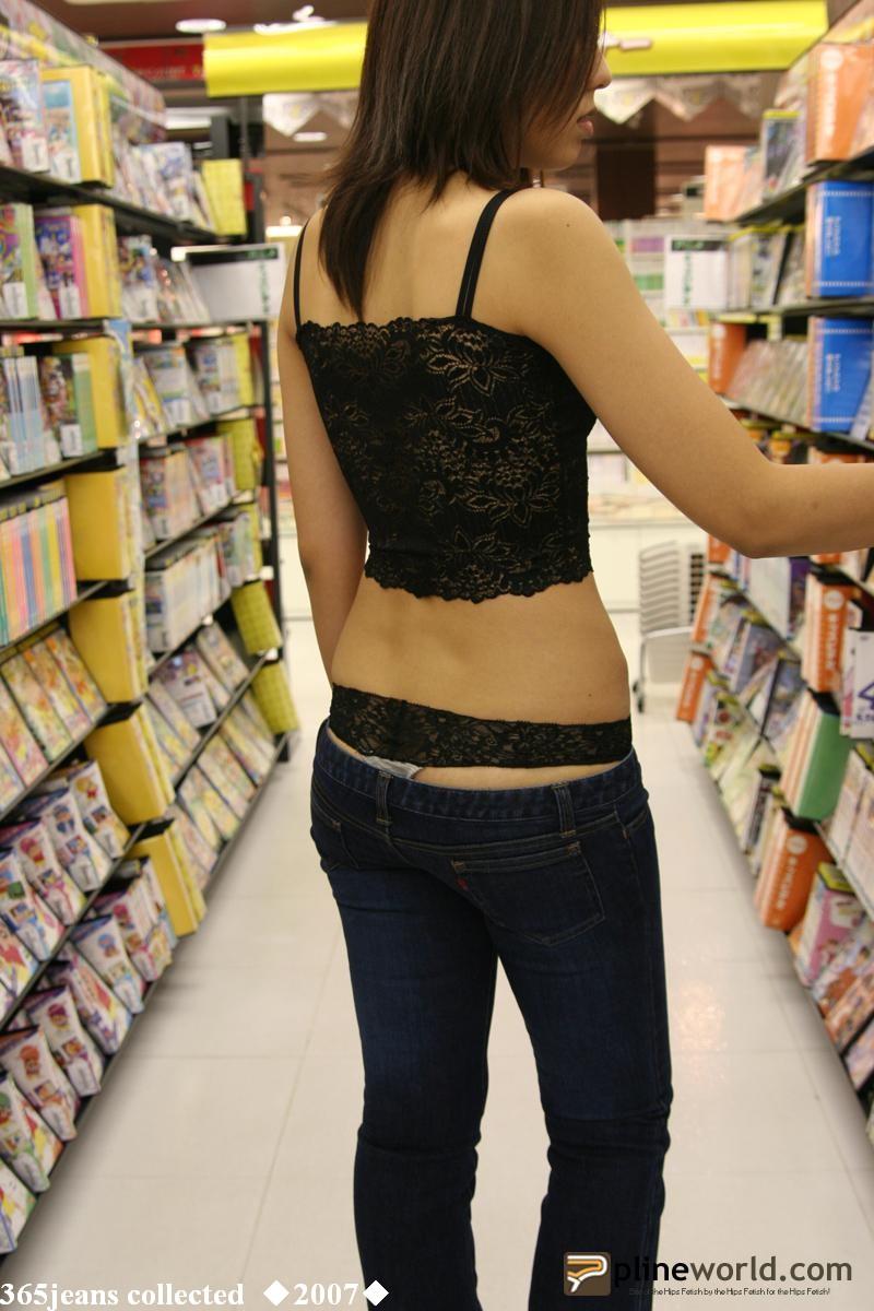 逛书市的时尚女子 - 源源 - djun.007 的博客