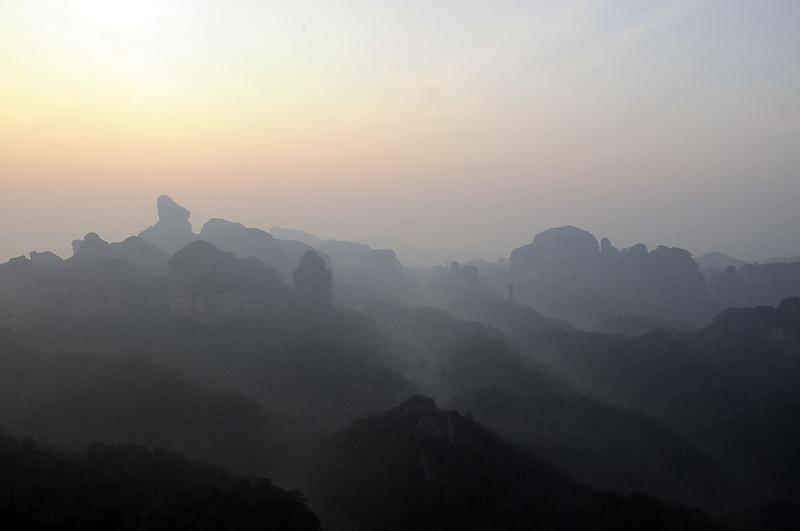 [原创]丹霞山的早晨 - 歪树 - 歪树