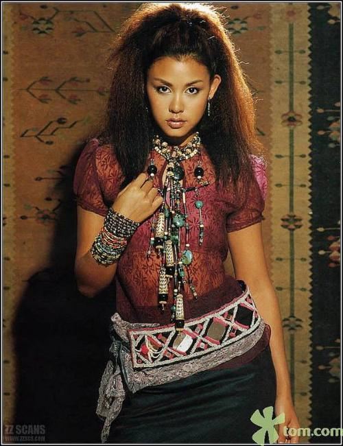 俏丽多姿的藏族女模 - 踏雪寻梅 - 李新月3186的博客