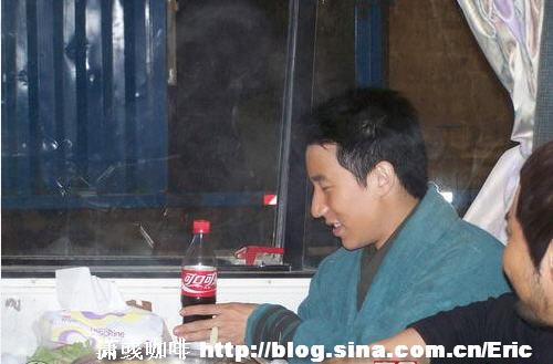 组图:房祖名为赵薇庆33岁生日 - 潇彧 - 潇彧咖啡-幸福咖啡