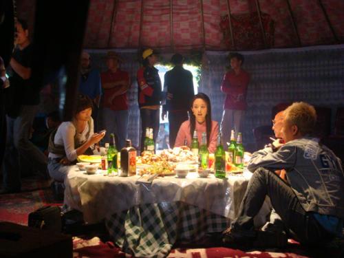 第一次在蒙古包拍戏 - rain.911 - 颜丹晨的博客