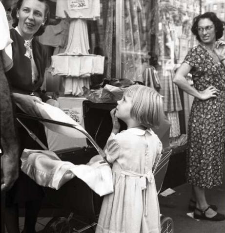 摄影大师理查德·阿维顿(Richard Avedon)-New York life 1949 - 五线空间 - 五线空间陶瓷家饰