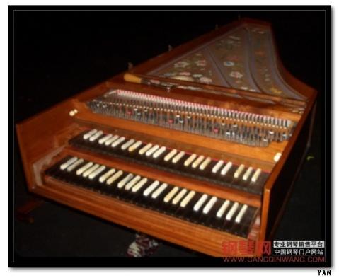 古钢琴!钢琴的前身 古钢琴曲图片