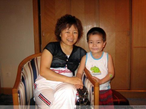 〖原创摄影〗有妈的孩子真幸福 - 妙心吉祥 - 妙心吉祥 网易博客