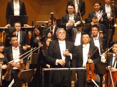 女钢琴家袁芳演奏舒曼最甜美的曲子 - liuyj999 - 刘元举的博客