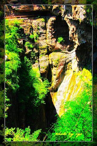 [原创]神州山水(18)山西陵川红岩峡《》 - 自由诗 - 人文历史自然 诗词曲赋杂谈