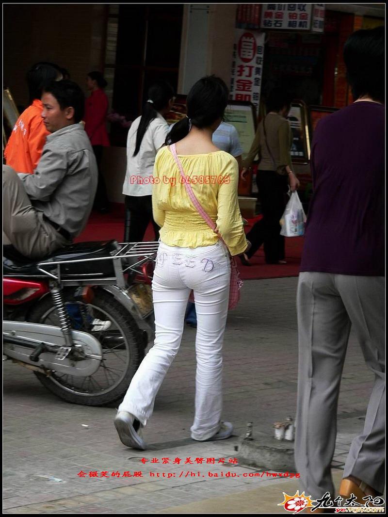 橘红上衣紧身白裤美臀 - 源源 - djun.007 的博客